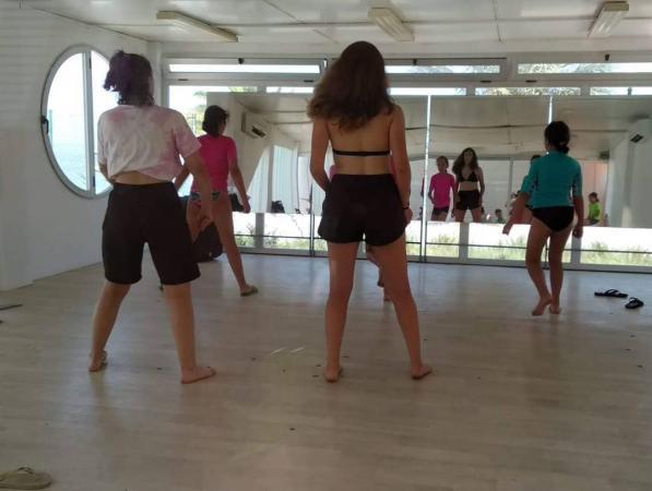 Campamento de Baile y Artes Escenicas