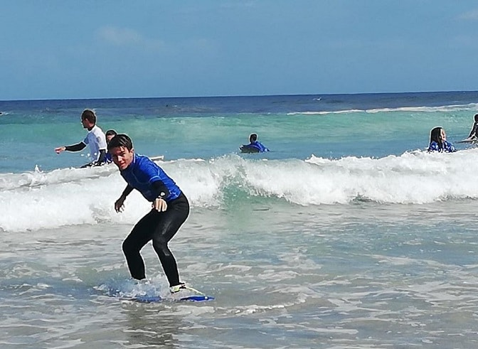 Campamento multiaventura infantil (surfcamp o vela)
